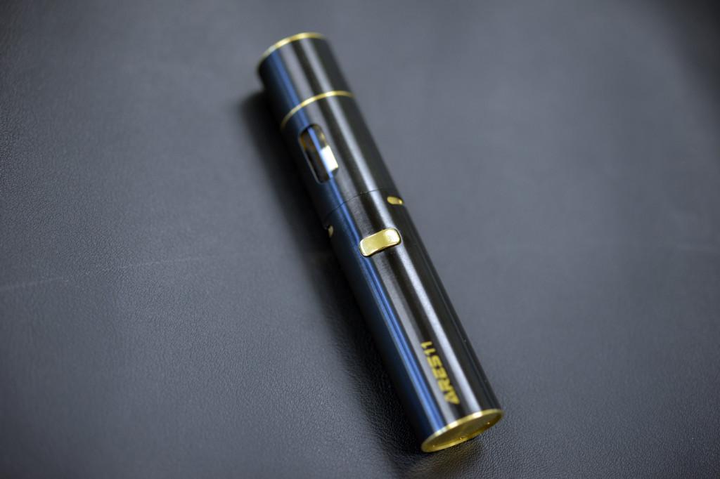 BLACK&GOLD WOOD STYLE_1.JPG